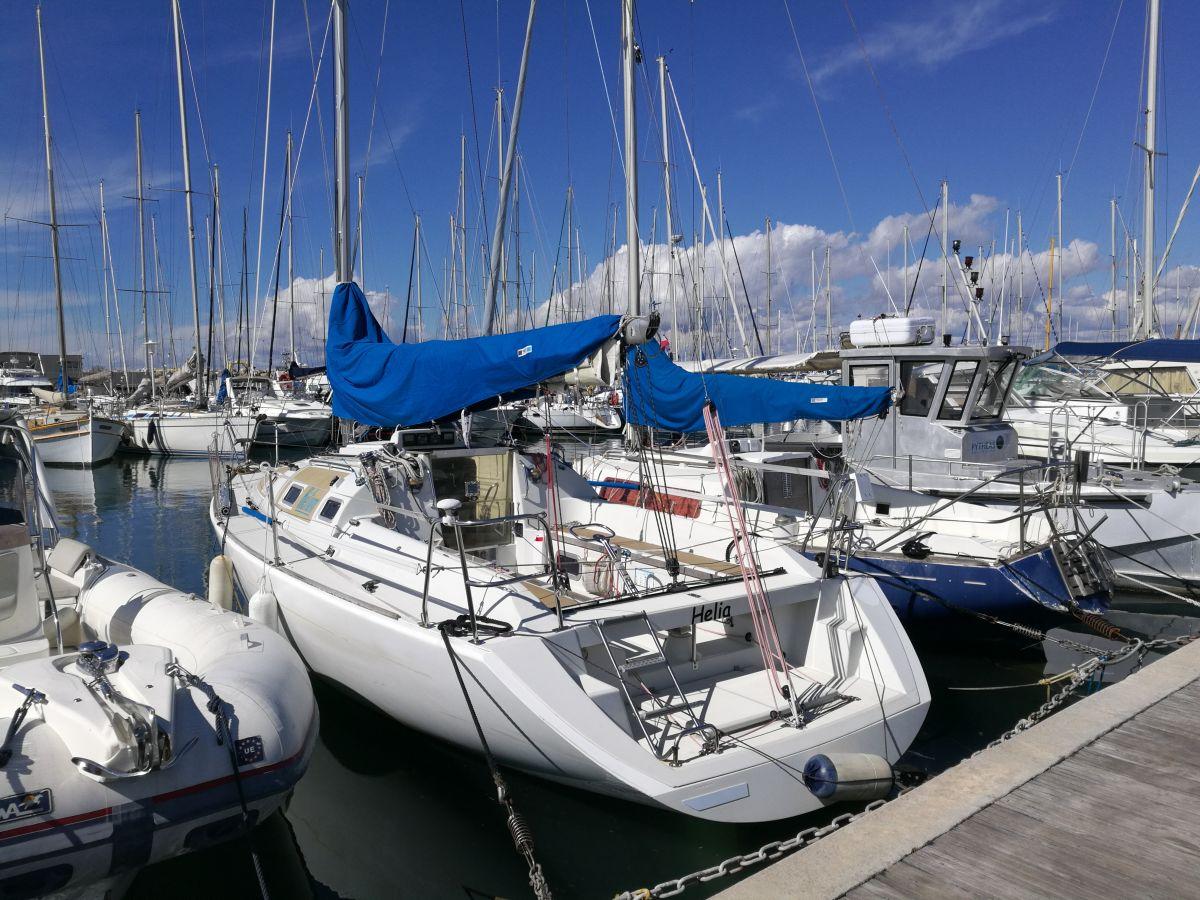 photo ATSCAF Voile - Location de voilier de 10 m avec skipper dans les Calanques de Marseille